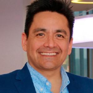 Dr. Ray Gómez