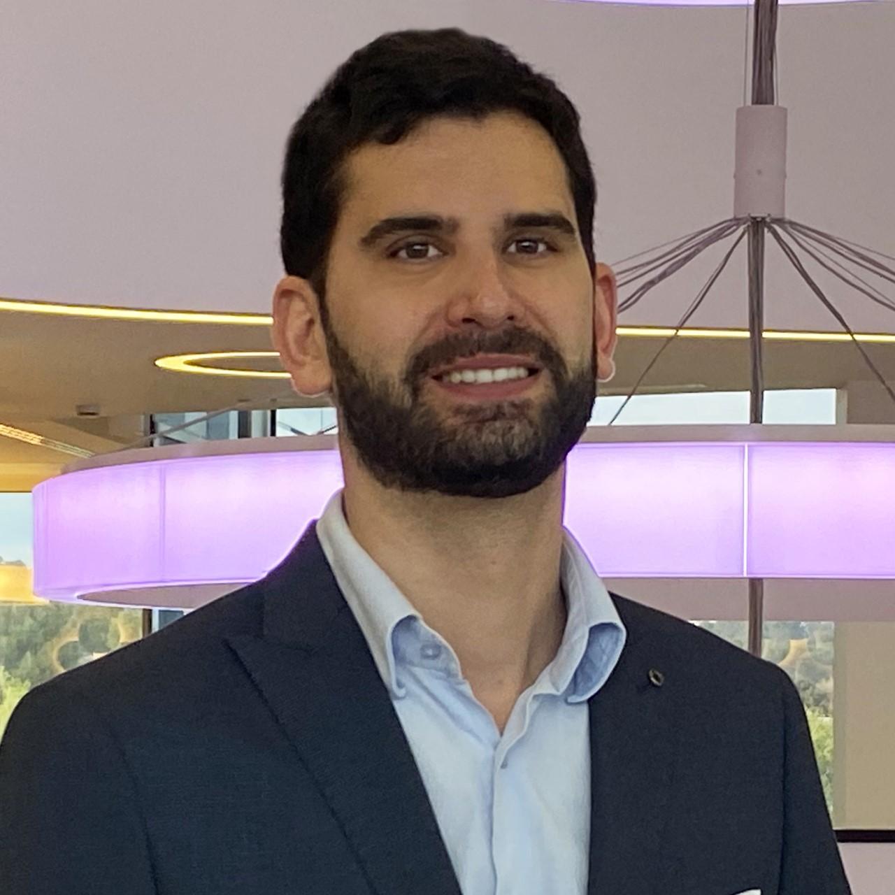 Dr. Roberto Herrero